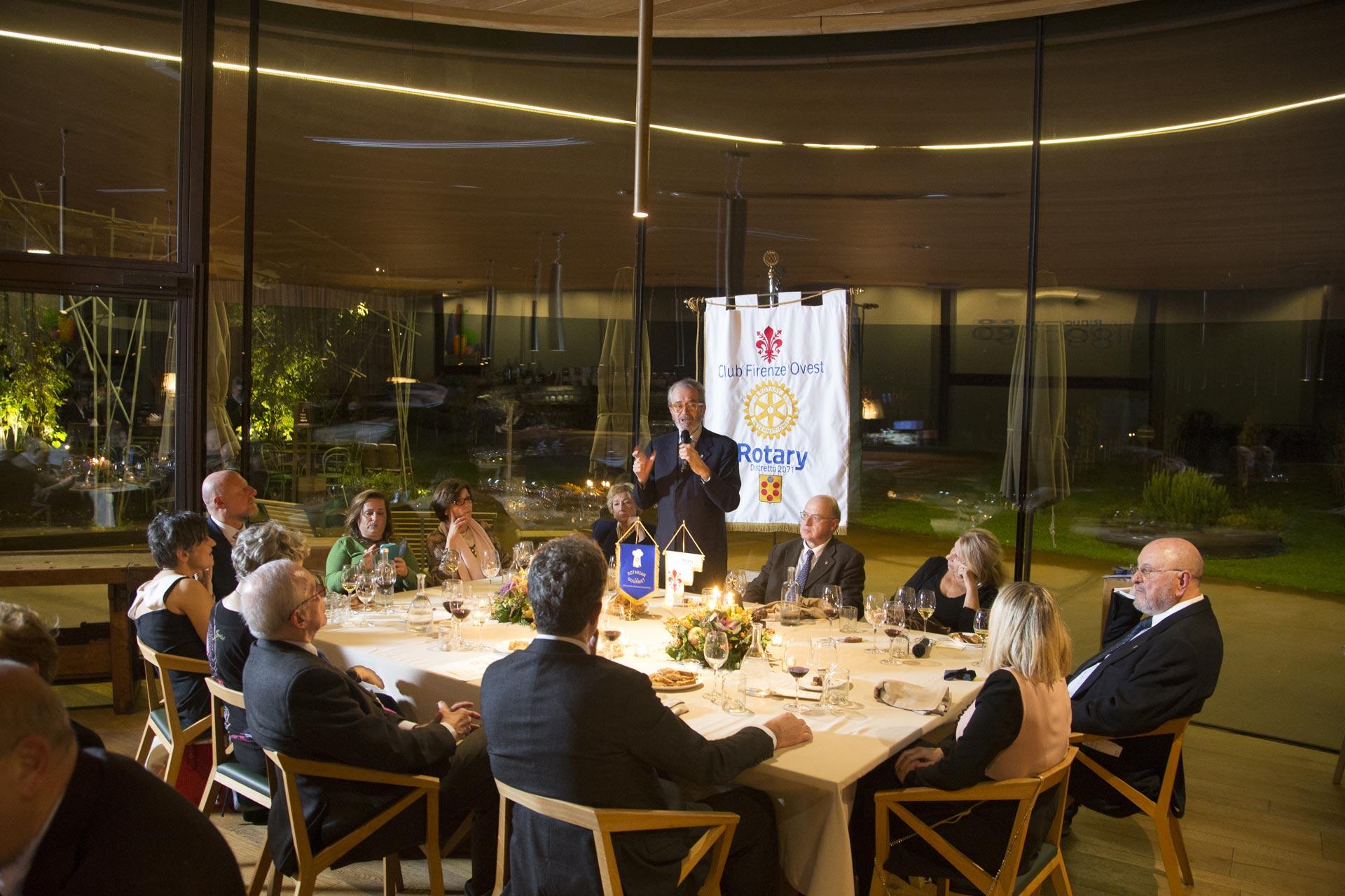 Il presidente nazionale del Rotarian Gourmet presenta la fellowship a Firenze
