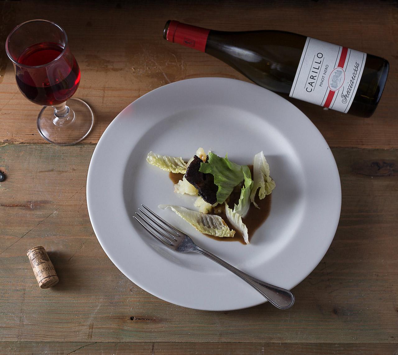 Guancia di manzo brasata alla birra Hordeum ERA accompagnata dal Pinot Nero Carillo Freccia Rossa