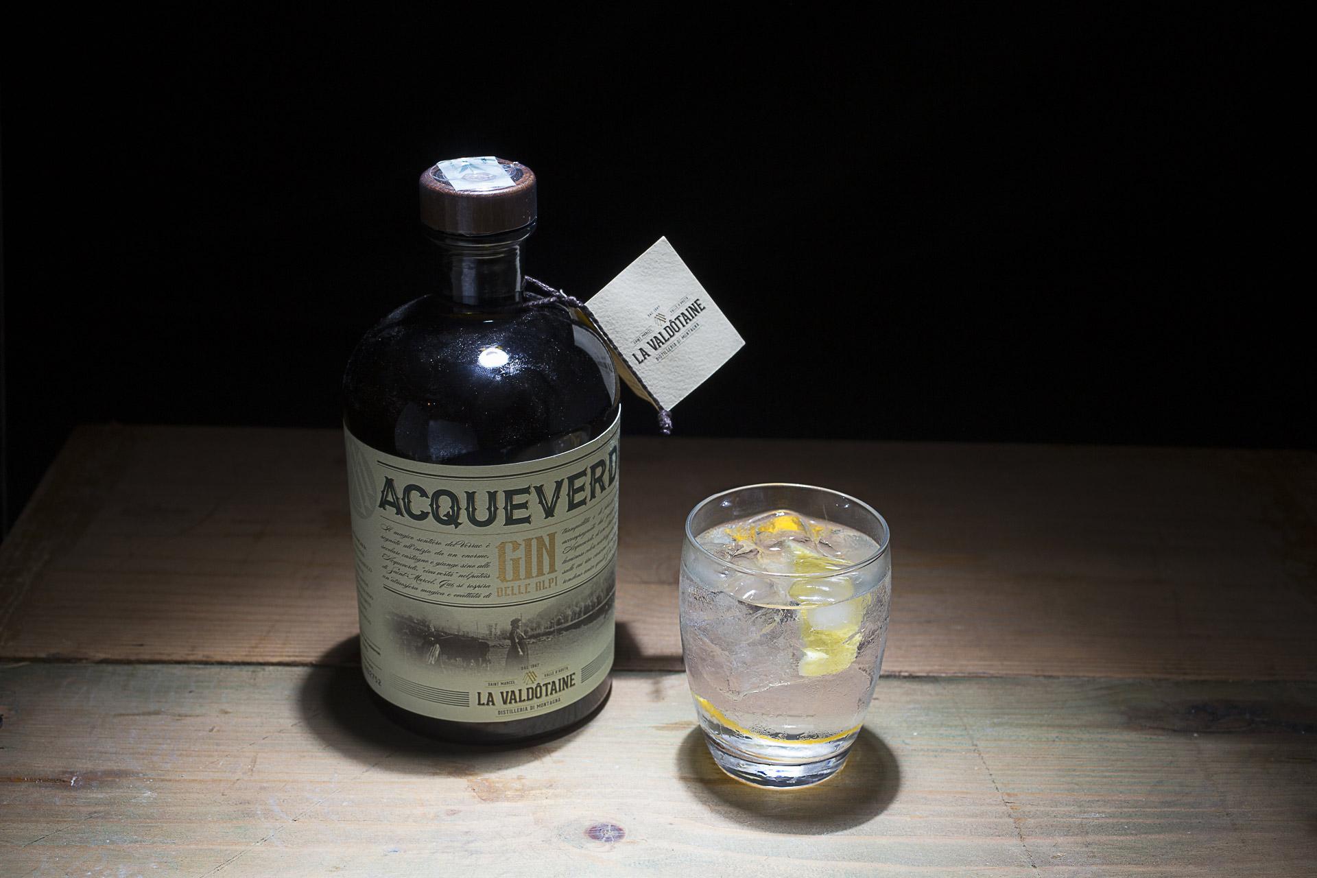 Il Gin Acqueverde della Valdotaine , marchio di Alberto Francòli, è stato la base per un robusto gin tonic che ha concluso la serata.